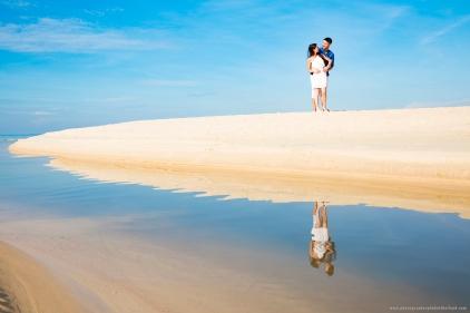 couple photoshoot at karon phuket