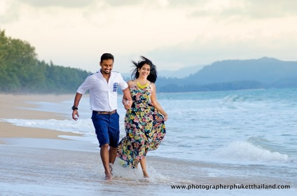 couple photography at mai khao beach,phuket