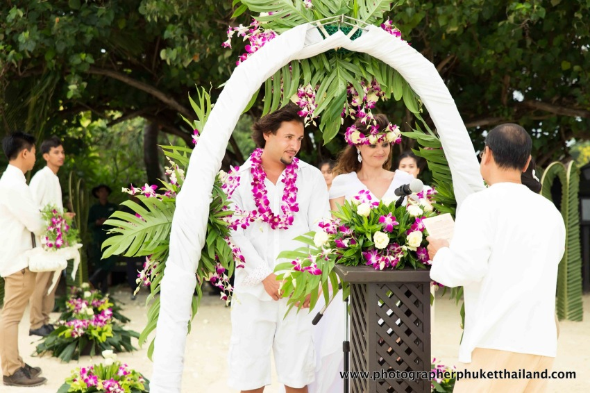 wedding photography in phuket krabi phangnga Thailand if you're looking for photographer please contact us www.photographerphukethailand.com