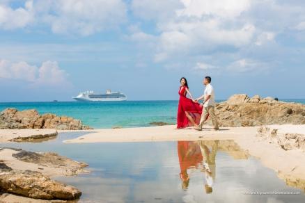 couple photography at patong beach phuket thailand