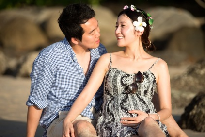 maternity photo session at kata noi beach Phuket Thailand