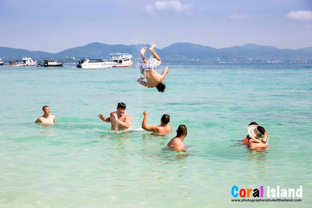 reunion family photo session at Racha island phuket thailand-005
