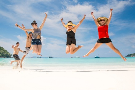 reunion family photo session at Racha island phuket thailand