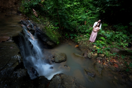 pre wedding photoshoot at kathu waterfall phuket