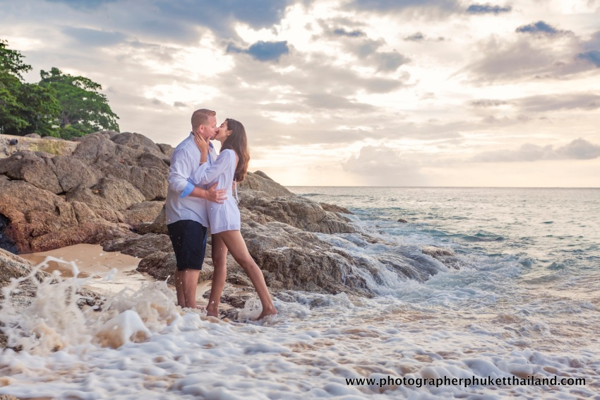 couple-photoshoot-at-surin-beach-phuket-014