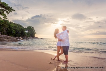 couple-photoshoot-at-surin-beach-phuket-022