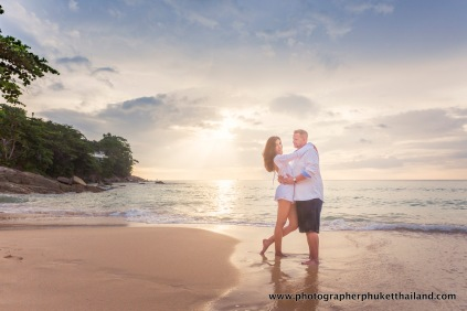 couple-photoshoot-at-surin-beach-phuket-023