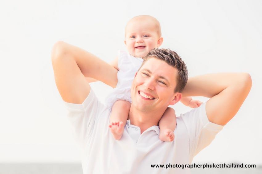 family-photoshoot-at-khao-lak-phang-nga-thailand