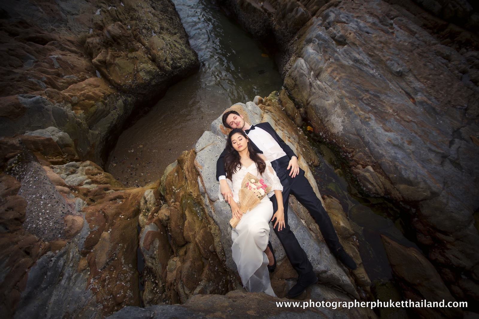 couple photoshoot at kalim beach phuket