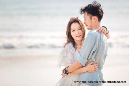 couple photo session at naithon beach