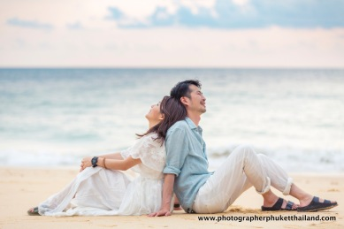 couple photo session at naithon beach