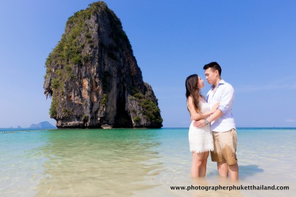 couple photoshoot at pranang cave beach krabi