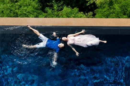 maternity photo session at paresa resort phuket