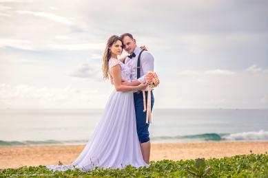 pre wedding photoshoot at karon beach phuket