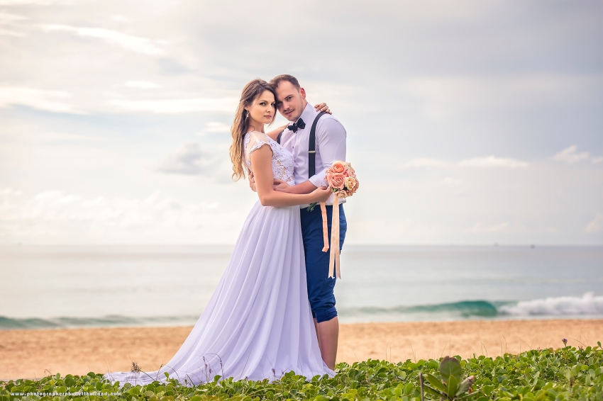 pre wedding photoshoot at karon beach phuket