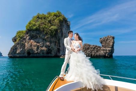 pre wedding photoshoot at Phi Phi island
