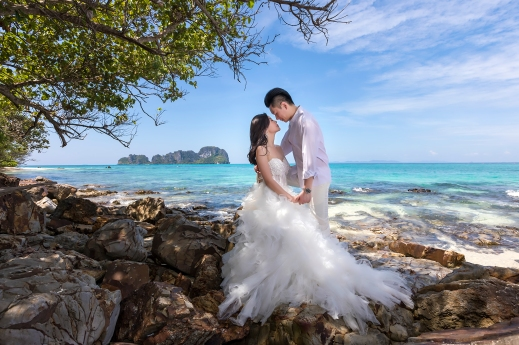 pre wedding photoshoot at Bamboo island