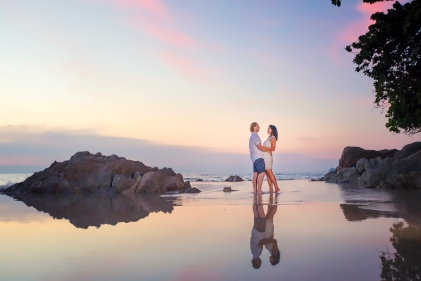 couple photoshoot at kalim bay phuket