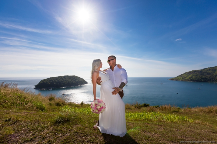 couple photoshoot at windmill viewpoint phuket