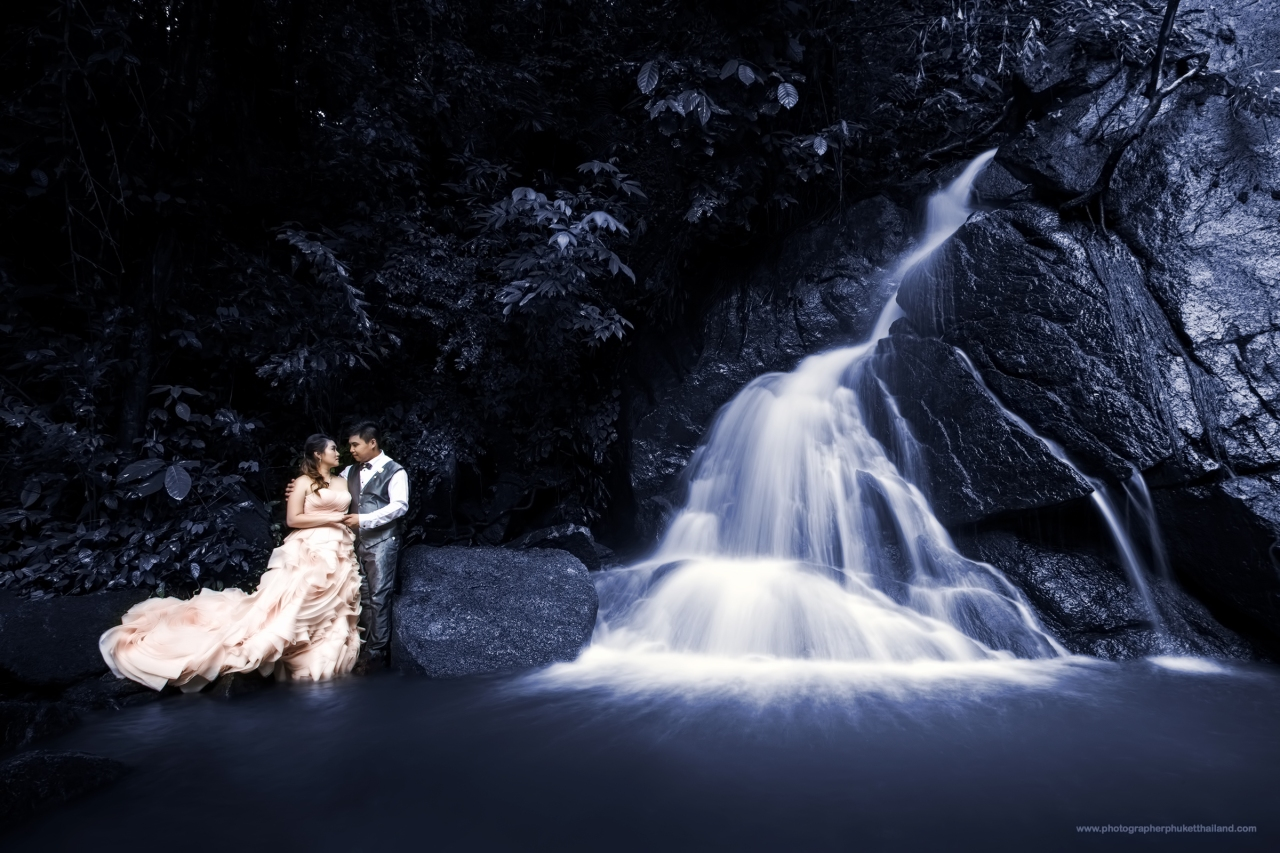 phuket pre wedding photoshoot at kathu watwerfall