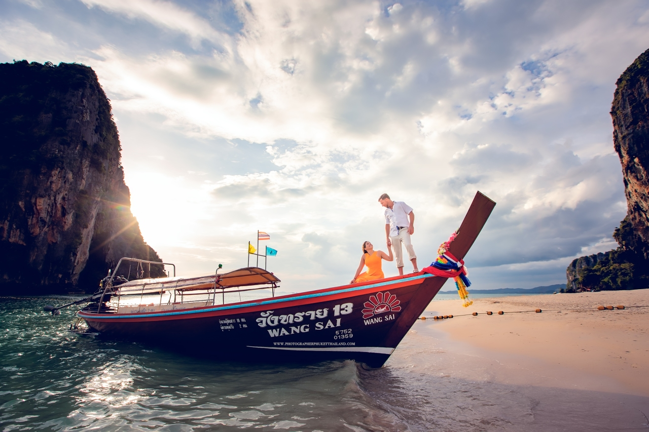 honeymoon photoshoot at pranang cave beach krabi