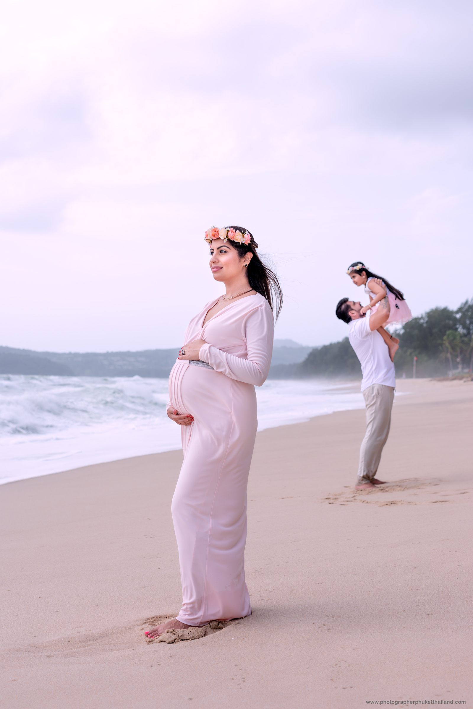 Maternity photoshoot by phuket photographer