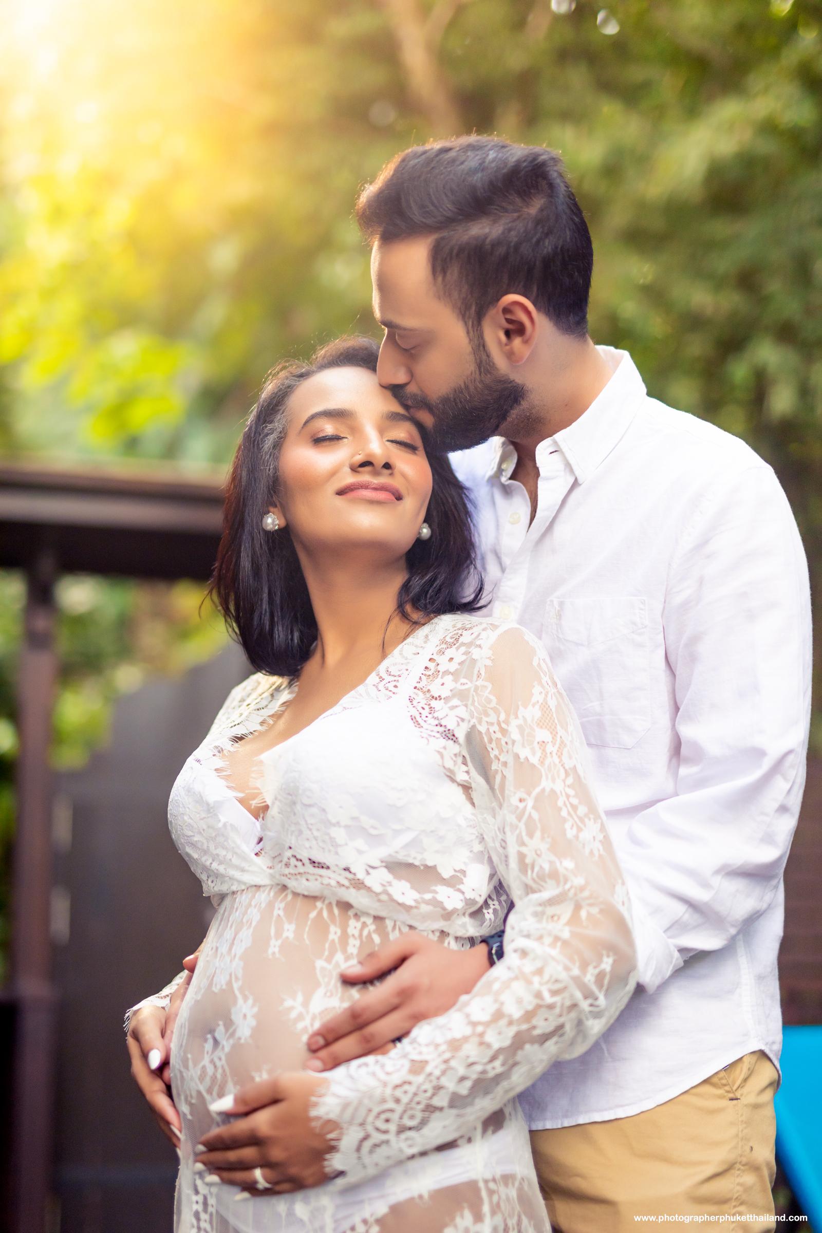 Maternity photoshoot by phuket photographer