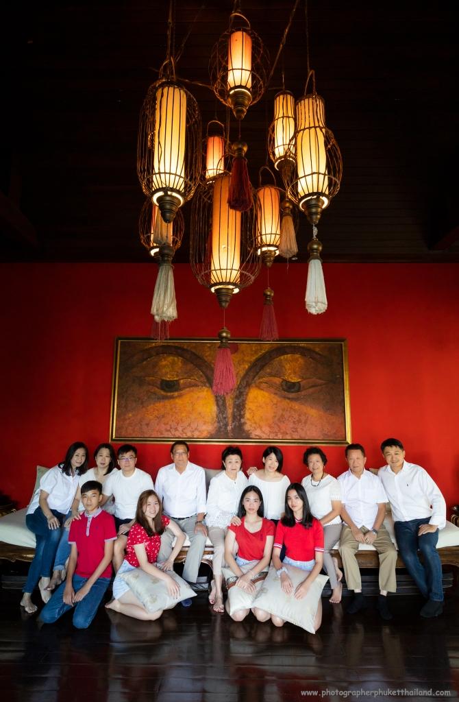 family reunion photoshoot at Phuket