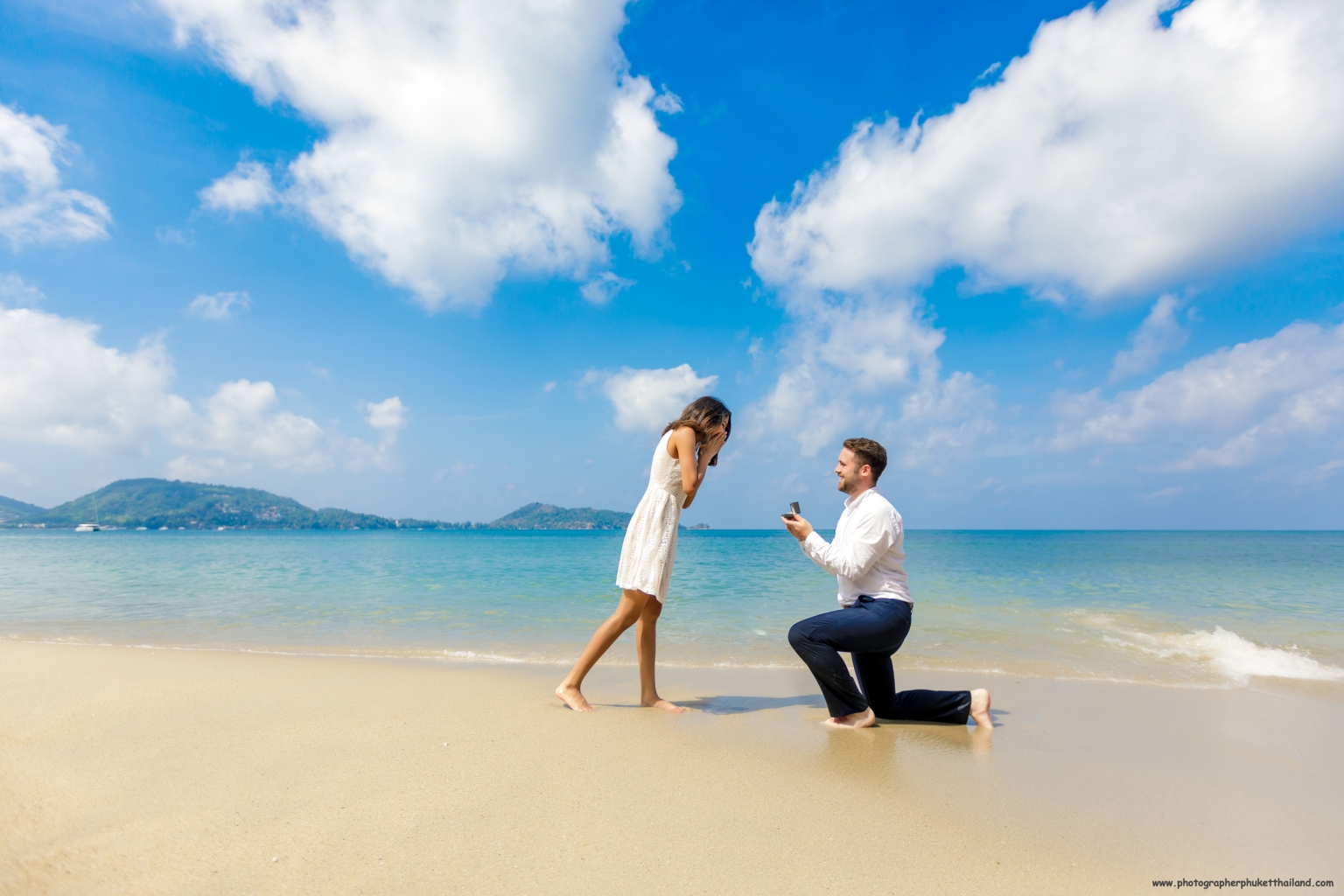 Surprise Marriage proposal photoshoot by phuket photographer